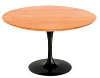 Mesa de jantar de madeira saarinen