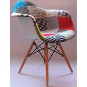 CHARLES E EAMES (DAR) PATCHWORK (BY)