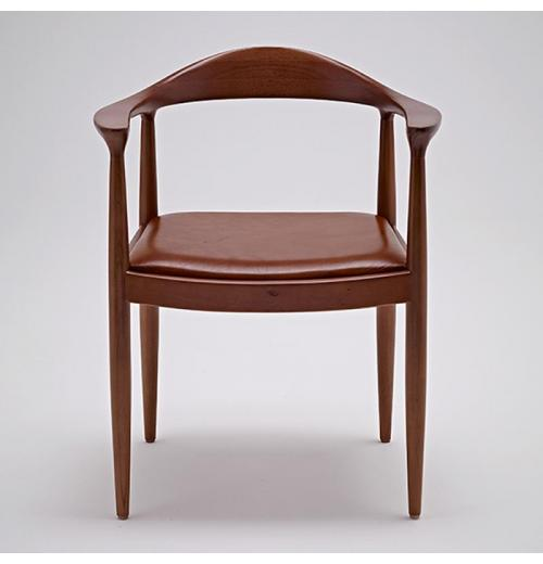 THE CHAIR (AS)